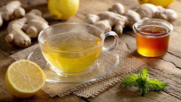 Leckeres Heilfasten - Heiß servierter Ingwer-Zitronen-Tee