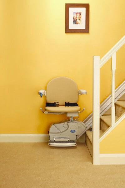SANIMED 10 Treppenlifter, günstig - fahrbereit am Treppenanfang