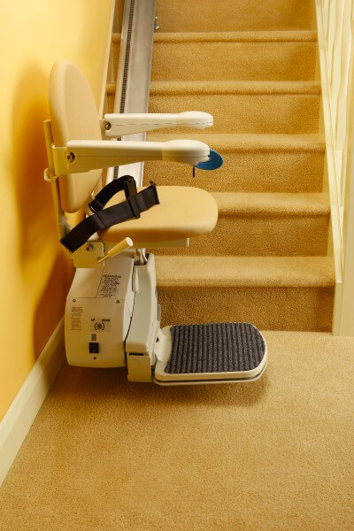 SANIMED 10 günstiger Sitzlift für gerade Treppen