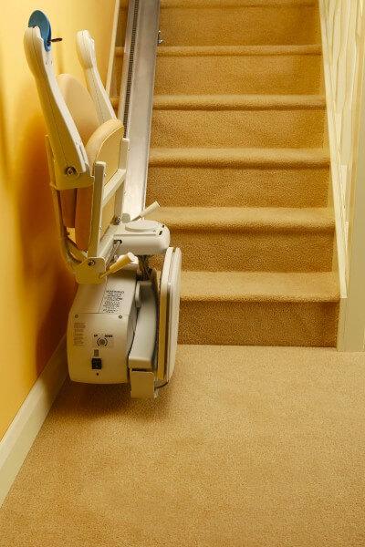 SANIMED 10 Treppenlift günstiger Treppenlift zusammengeklappt