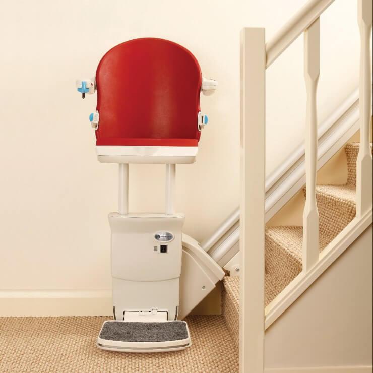 Kein Sitzlift: Stehlift - Treppenlift zum Stehen