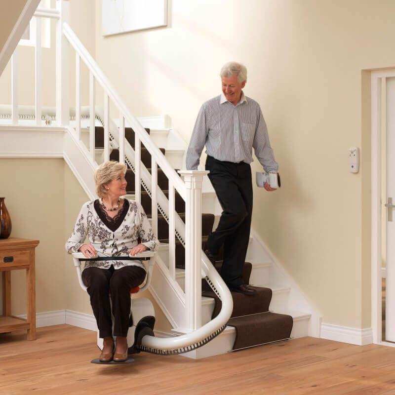 Faire Treppenlift-Preise und geringe Kosten - SANIMED Treppenlifte