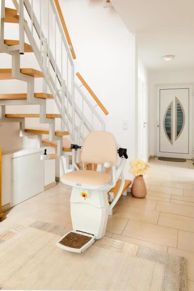 Treppenlift für kurvige Treppen, Parkposition