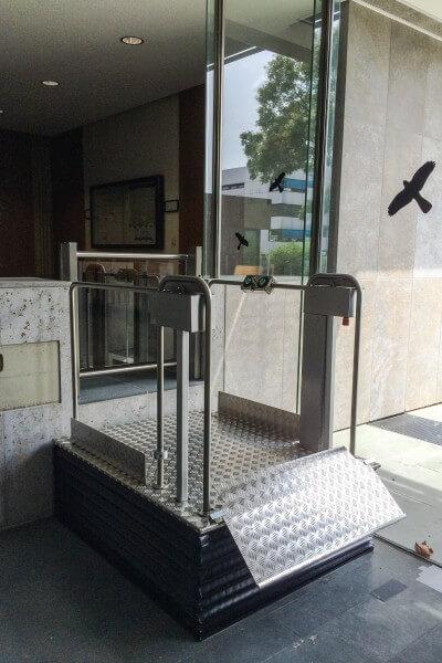 Design-Hublift für Rollstühle mit Faltenbalg, SANIMED 750