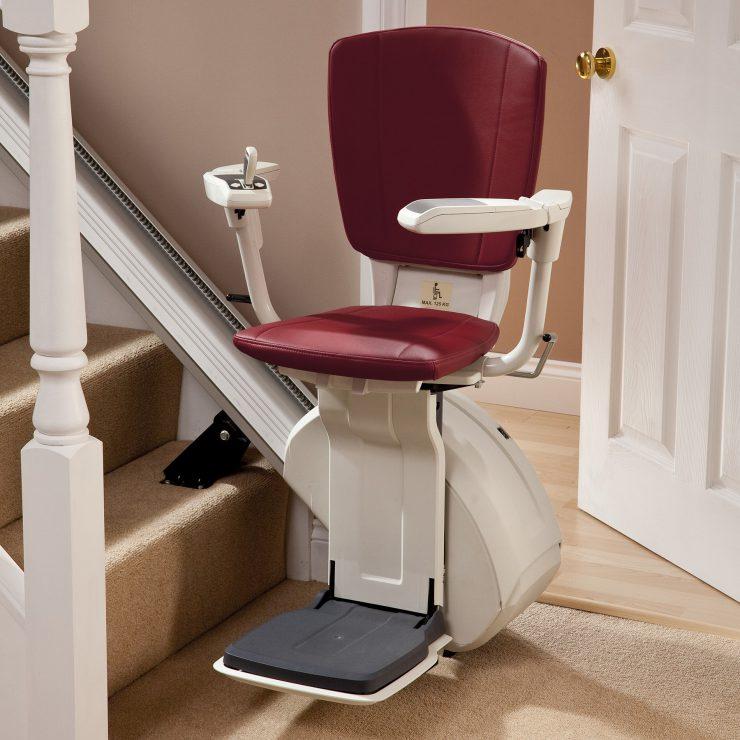 treppenlifte f r gerade treppen sicher kosteng nstig. Black Bedroom Furniture Sets. Home Design Ideas