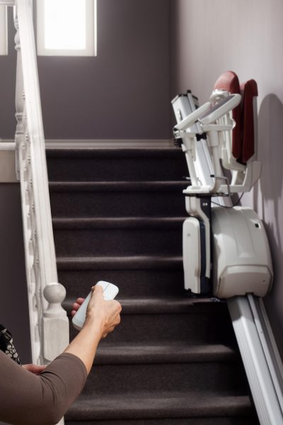 Premium Treppenlift für gerade Treppen mit Fernbedienung