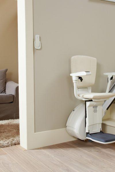 Premium Treppenlift für gerade Treppen Wohnsituation mit Treppenlift